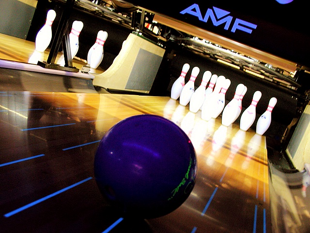 bowling_25